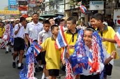 Bangkok, Tailandia: Parata dell'allievo su Khao San Rd Fotografia Stock Libera da Diritti