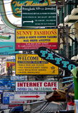 Bangkok, Tailandia: Segnali stradali di Khao San Fotografie Stock