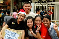 Bangkok, Tailandia: Studenti tailandesi felici Immagine Stock