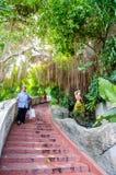 Bangkok, Tailandia: Templo y toursit Imagen de archivo libre de regalías
