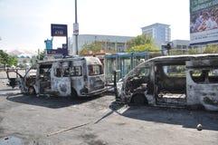 Bangkok, Tajlandia/- 12 02 2013: Autobus i dwa samochodu dostawczego dostać set na ogieniu na Ramkhamhaeng drodze Zdjęcie Royalty Free