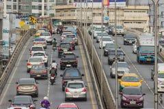 BANGKOK TAJLANDIA, Czerwiec, - 31, 2016: Ruch drogowy dosięga impas fotografia royalty free
