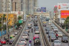 BANGKOK TAJLANDIA, Czerwiec, - 31, 2016: Ruch drogowy dosięga impas fotografia stock