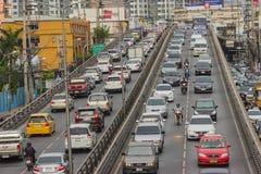 BANGKOK TAJLANDIA, Czerwiec, - 31, 2016: Ruch drogowy dosięga impas obraz stock