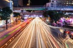 Bangkok Tajlandia, Dec, - 18: Ruchu drogowego dżem przy nocą w Środkowym świacie Fotografia Royalty Free