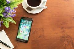 Bangkok, Tajlandia GRUDZIEŃ 04, 2016: Iphone 7 Plus dżetowego czerni se Obraz Royalty Free