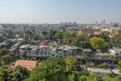 BANGKOK TAJLANDIA, Grudzień, - 21 2017: Widok Bangkok od Złotej góry przy Watem Saket Zdjęcie Stock