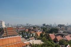 BANGKOK TAJLANDIA, Grudzień, - 21 2017: Widok Bangkok od Złotej góry przy Watem Saket Fotografia Royalty Free