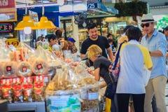 Bangkok Tajlandia, Kwiecień, - 23, 2017: Lub Tor Kora rynek (Wprowadzać na rynek Fotografia Royalty Free