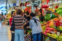 Bangkok Tajlandia, Kwiecień, - 23, 2017: Lub Tor Kora rynek (Wprowadzać na rynek Zdjęcie Stock