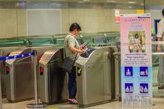 Bangkok Tajlandia, Kwiecień, - 23, 2017: Niezidentyfikowany pasażerski use c Fotografia Stock