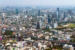 BANGKOK TAJLANDIA, KWIECIEŃ, - 21, 2015: Panoramiczny widok z lotu ptaka Bangkok w pięknym wiosna ranku Bangkok, Tajlandia Obraz Stock