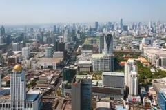 BANGKOK TAJLANDIA, KWIECIEŃ, - 21, 2015: Panoramiczny widok z lotu ptaka Bangkok w pięknym wiosna ranku Bangkok, Tajlandia Zdjęcie Stock