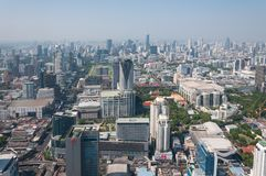 BANGKOK TAJLANDIA, KWIECIEŃ, - 21, 2015: Panoramiczny widok z lotu ptaka Bangkok w pięknym wiosna ranku Bangkok, Tajlandia Zdjęcie Royalty Free