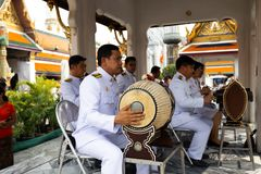BANGKOK TAJLANDIA, KWIECIEŃ, - 6, 2018: Uroczysty pałac Dekorujący w złocistych i jaskrawych kolorach - Chakri dzień - dokąd budd fotografia stock
