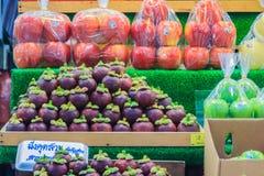 Bangkok Tajlandia, Kwiecień, - 23, 2017: Organicznie owoc tak jak mango Zdjęcia Stock