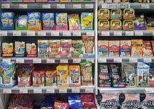 BANGKOK TAJLANDIA, LIPIEC, - 22: Foodland supermarket w Wiktoria ` s zdjęcie stock