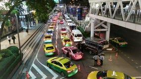 BANGKOK TAJLANDIA, LIPIEC, - 10 2017: główna droga w Bangkok Zdjęcie Royalty Free