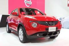 Bangkok, Tajlandia Listopad 28: Czerwony dżip samochodowy Nissan Juke na disp obraz stock