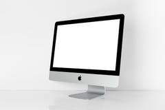 BANGKOK TAJLANDIA, Listopad, - 22, 2015: Fotografia nowy iMac 21 5 Wi Obrazy Royalty Free