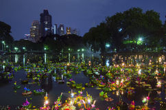 BANGKOK TAJLANDIA, LISTOPAD 25 -: Loy Krathong festiwal Obraz Royalty Free
