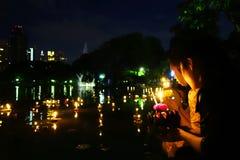 Bangkok Tajlandia 6 2014 Listopad - Loy krathong festiwal przy gomółką Zdjęcia Stock