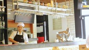 BANGKOK, TAJLANDIA 23 Listopad 2015 pusty bar w restauraci i szefie kuchni Fotografia Royalty Free