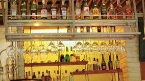 BANGKOK, TAJLANDIA 23 Listopad 2015 pusty bar z alkoholem w restauraci Zdjęcia Royalty Free