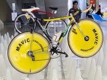 Bangkok Tajlandia, Listopad, - 23, 2012: Rocznika rowerowy BASSO z MAVIC dyska kołami Obraz Stock