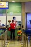 Bangkok Tajlandia, Luty, - 22, 2017: Niezidentyfikowani pasażerscy bu Fotografia Royalty Free