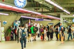 Bangkok Tajlandia, Luty, - 21, 2017: Pasażer kupujący bilet Zdjęcie Royalty Free