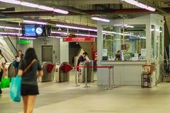 Bangkok Tajlandia, Luty, - 21, 2017: Pasażer kupujący bilet Obraz Stock