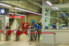 Bangkok Tajlandia, Luty, - 21, 2017: Pasażer kupujący bilet Obraz Royalty Free