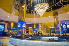 BANGKOK, TAJLANDIA, LUTY 02, 2018: Salowy widok Siam Paragon zakupy centrum handlowe Z 16 ekran i 5.000 siedzenie, the Fotografia Royalty Free