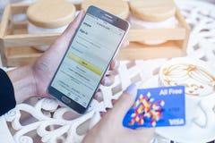 Bangkok Tajlandia, Luty, - 12,2017: Samsung pokazuje amazonkę app Zdjęcie Stock