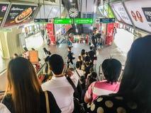 Bangkok Tajlandia, Luty, - 28, 2017: Tłum pasażera arriv Fotografia Stock