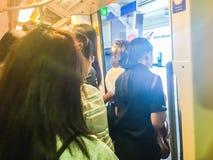 Bangkok Tajlandia, Luty, - 28, 2017: Tłum pasażery na BT Obraz Stock