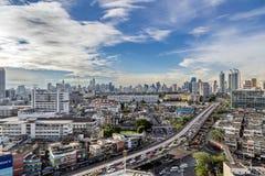 Bangkok Tajlandia, Maj, - 15, 2017: Biznesowy teren w Na Ranong 5 skrzyżowaniu i ekspresowym sposobie Zdjęcie Stock