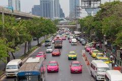 Bangkok Tajlandia, Maj 07 2016 -: Ruchu drogowego dżem na chatuchak drodze przy Zdjęcie Royalty Free