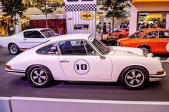BANGKOK, TAJLANDIA, - MARZEC 11 2018: Rocznik samochodowy Porsche 911 SWB: 1966 pokazywał w klasycznym motorowym przedstawieniu p Obrazy Royalty Free
