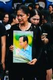 BANGKOK TAJLANDIA, OCT, - 22, 2016: Tajlandzcy ludzie uczęszczają śpiewać Zdjęcie Royalty Free