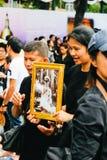 BANGKOK TAJLANDIA, OCT, - 22, 2016: Tajlandzcy ludzie uczęszczają śpiewać Obraz Stock