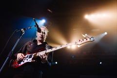 BANGKOK TAJLANDIA, PAŹDZIERNIK, - 16, 2009: Billy Sheehan solo bas podczas Mr Duży Żyje w Bangkok - spotkanie zdjęcie royalty free