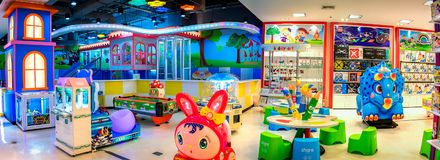 BANGKOK TAJLANDIA, PAŹDZIERNIK, - 29: Dziecka ` s kojec i zabawki Zdjęcie Royalty Free