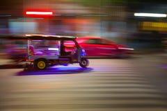 BANGKOK TAJLANDIA, PAŹDZIERNIK, - 02, 2016: Tuktuk w w centrum Bangkok Zdjęcie Stock