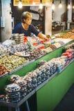 Bangkok Tajlandia, Styczeń, - 02, 2014: Tajlandzki targowy sprzedawca Zdjęcia Stock
