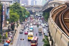 BANGKOK TAJLANDIA, Wrzesień, - 12, 2017: Ruch drogowy zbliża impas o zdjęcia royalty free