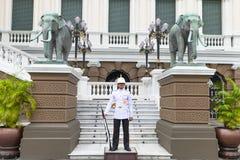 BANGKOK TAJLANDIA WRZESIEŃ 25, 2016: Wojsko żołnierza Tajlandzcy stojaki Obrazy Royalty Free