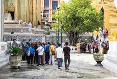 BANGKOK TAJLANDIA WRZESIEŃ 25, 2016: Przewdonik explan o histo Zdjęcia Royalty Free