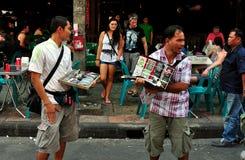 Bangkok, Thaïlande : Constructeurs de route de Khao San Image stock